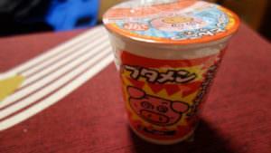 ブタメン (butamen), small cup noodles