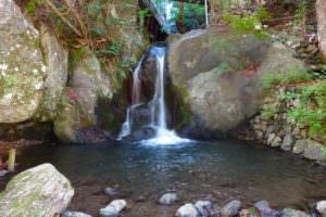 奥多摩、鳩ノ巣はマイナーだが美しい滝が見られる