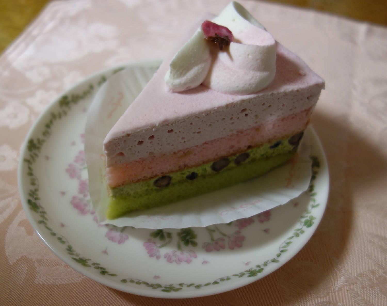 Delicious sakura and matcha cake