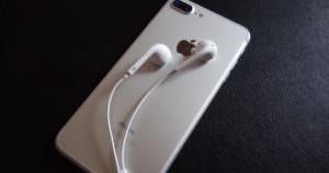 iphoneのイヤホンヘッドホンは以外と便利な機能が満載