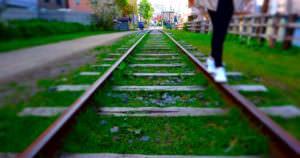 小樽には乗って記念撮影できる線路がある。