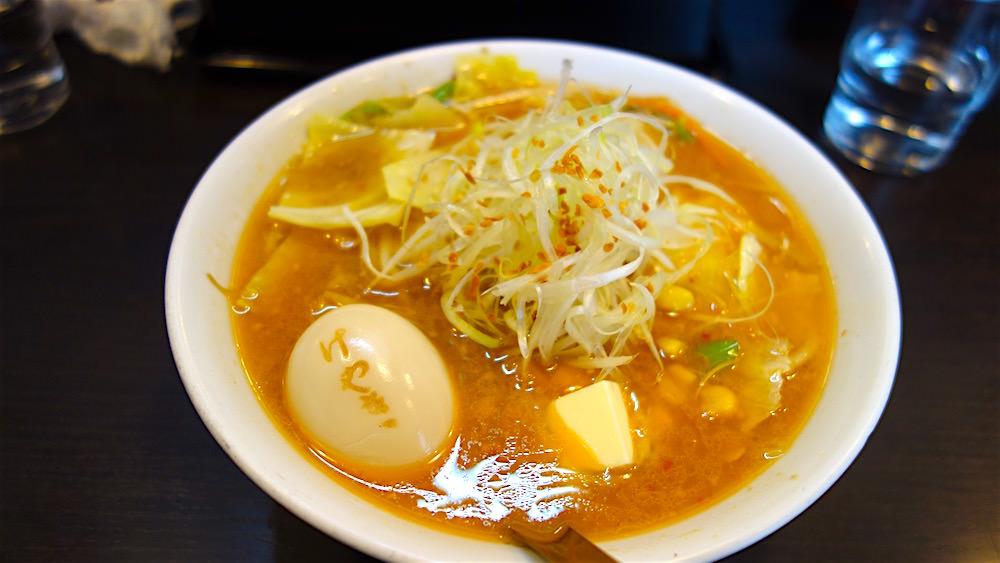 すすきの、けやきの味噌ラーメンと煮卵
