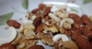 Nuts, nuts and nuts! アメリカ産、インド産、オーストラリア産のが入っている。
