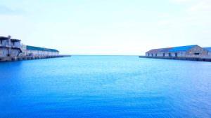 小樽の綺麗な海は見つめていると不思議な雰囲気になる。