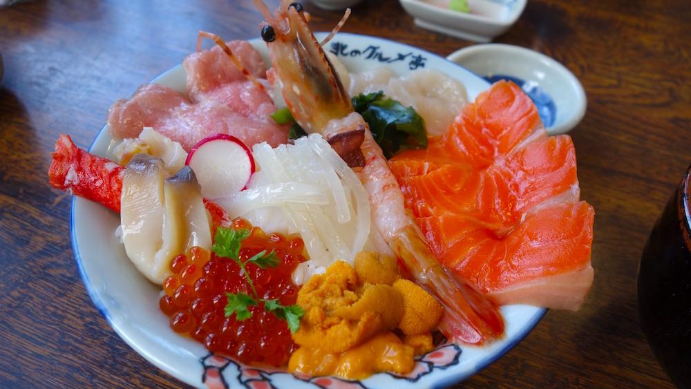 北海道、札幌の絶品海鮮丼