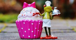 試食が試食レベルじゃないと話題に!大きいケーキを堪能