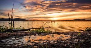 水辺の綺麗なサンセットは絶景