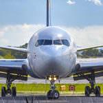 飛行機の緊急事態親が取るべき行動とは?