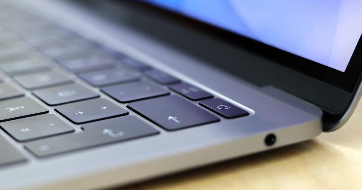 macbookのノートパソコンで大怪我
