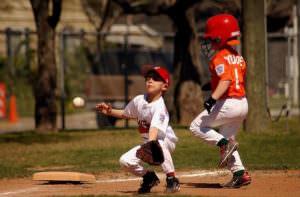 野球チームに入部前には注意が必要。