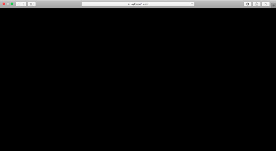 テイラー・スウィフトのホームーページも黒でブランク