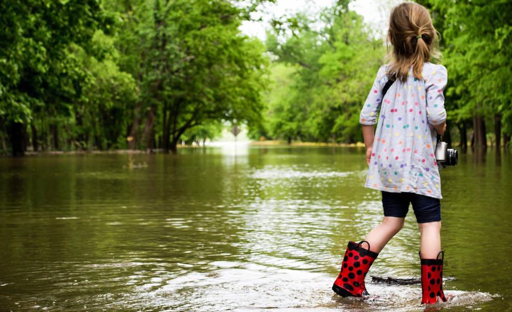 子供と洪水
