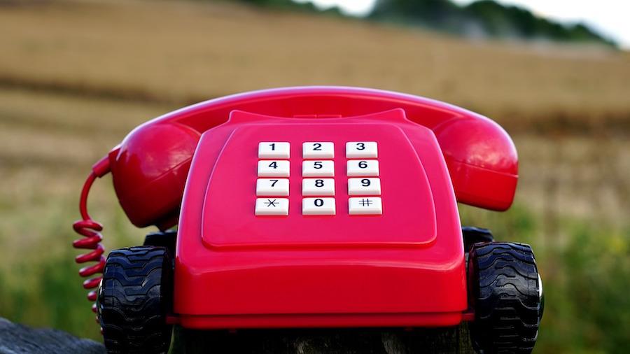 大昔のアンティック電話はノスタルジー