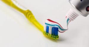 危険な歯磨き粉を使い続けると歯が抜け落ちたり、様々な病気になる可能性も!